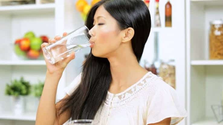 what are the benefits of drinking water in empty stomach