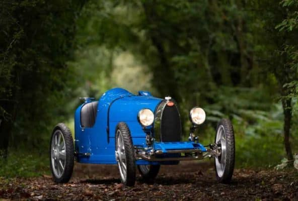 Bugatti made a mini electric car for children, sold 500 cars as soon as it arrived