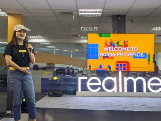 Realme to hire 2,500 people in India by year end