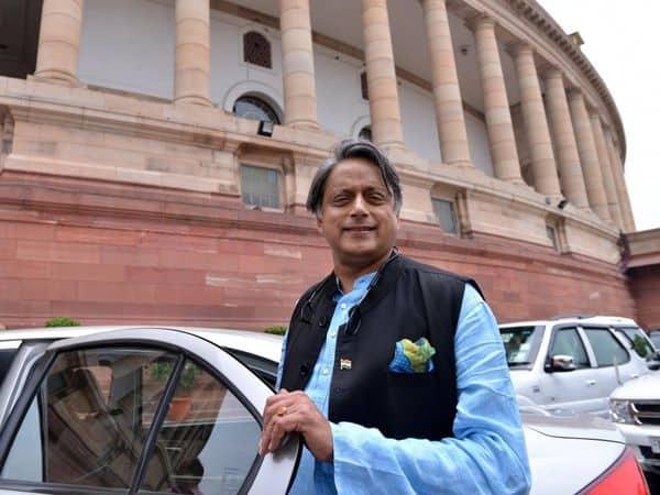 Shashi_Tharoor_UpdateNews360