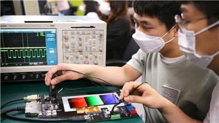 smartphone_manufacturing_updatenews360