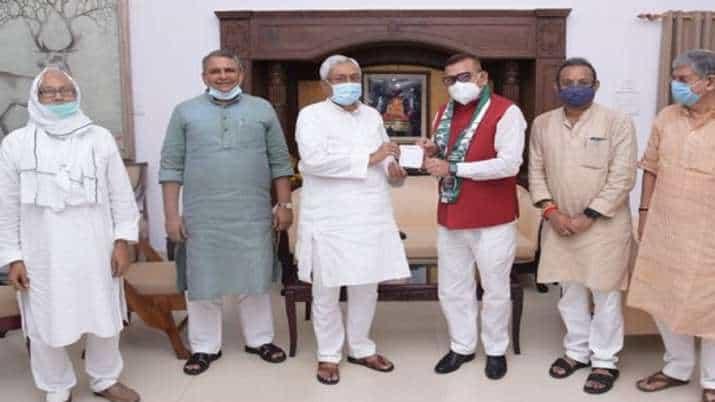 Bihar_Ex_DGP_Joins_JDU_Updatenews360