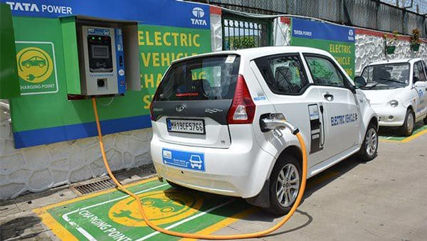 Delhi Government Working On Setting Up 200 New EV Charging Stations Across The City Soon