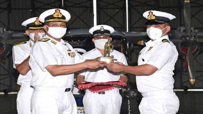 navy_officer_updatenews360
