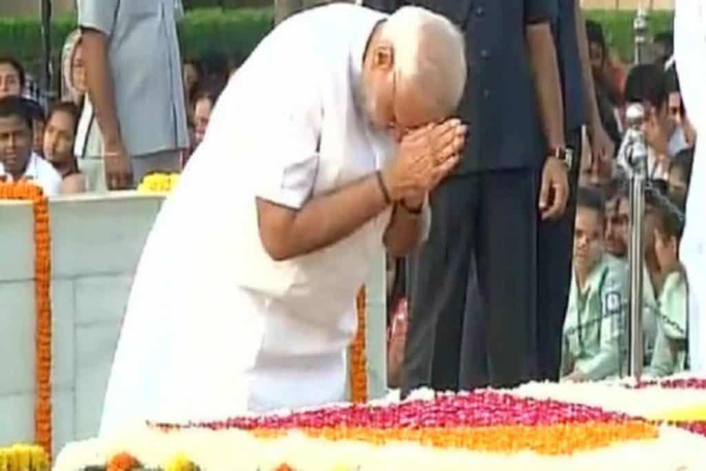 Modi_Pays_Tributes_To_Indira_Gandhi_UpdateNews360