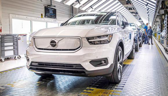 Volvo begins production of electric XC40 SUV