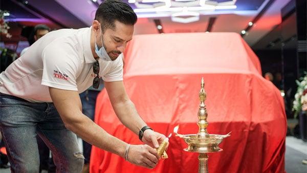 Mahindra opens its digital showroom in Bangalore