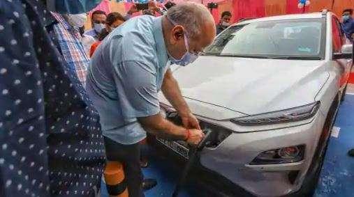 Electric_Vehicle_Arvind_Kejriwal_UpdateNews360