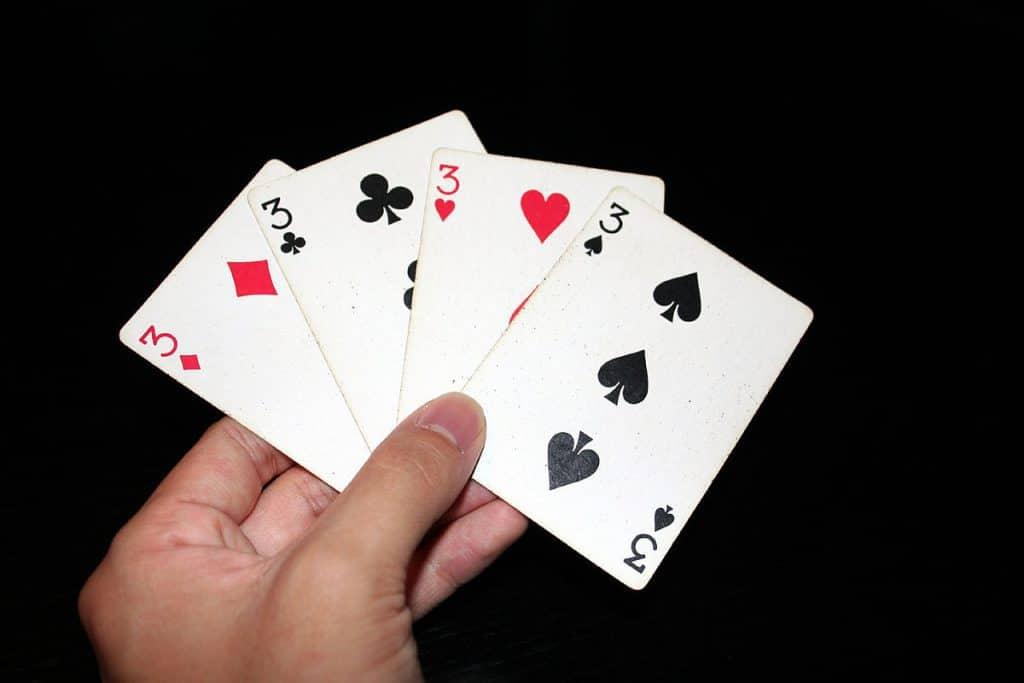 Gambling_Cards_UpdateNews360