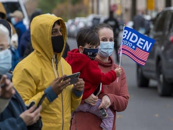 Joe_Biden_Supporters_UpdateNews360