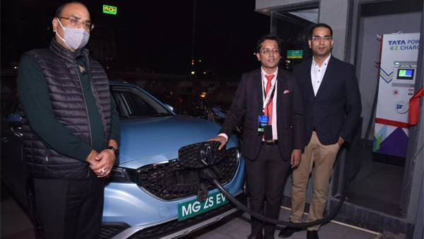 MG Installs 60kW EV Fast Charger In Agra For Public Use
