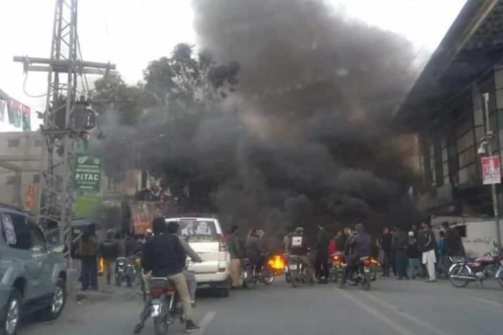 POK_Violence_Against_Imran_Khan_UpdateNews360