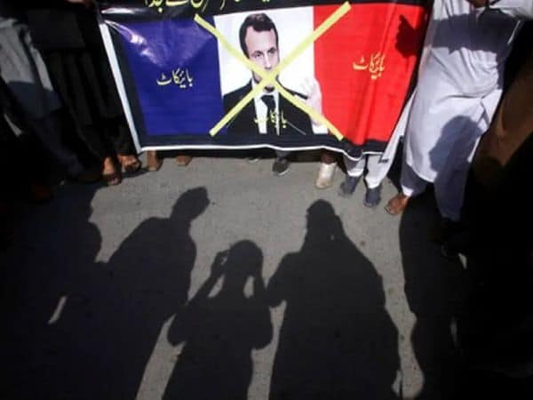 macron_pakistan_protests_updatenews360
