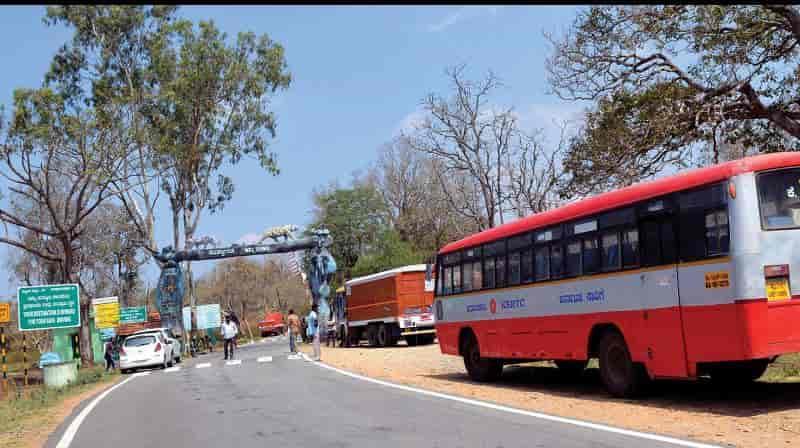 tn - karnataka bus 1 - updatenews360