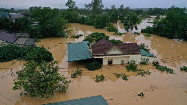 vietnam flood - updatenews360
