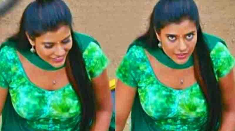 கின்னுனு இருக்கும் அந்த அங்கத்தை காட்டிய ஐஸ்வர்யா ராஜேஷ் ! வருத்தப்படும் ரசிகர்கள் ! Updatenews360.com | Tamil News Online | Live News | Breaking News Online | Latest Update News  CHRISTMAS DAY - 25 DECEMBER PHOTO GALLERY  | STE.INDIA.COM  #EDUCRATSWEB 2018-12-24 ste.india.com http://ste.india.com/sites/default/files/2014/12/23/306056-christmasindia-201214-ra7.jpg