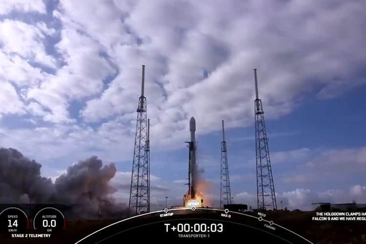 SpaceX launches 143 satellites, breaks world space record
