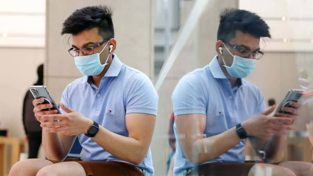 You Will Soon Be Able To Unlock Your iPhone With Mask On, But There Is A Catch