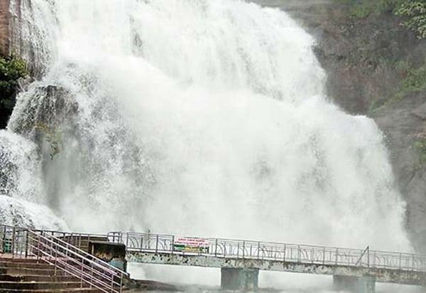 kutralam falls - updatenews360