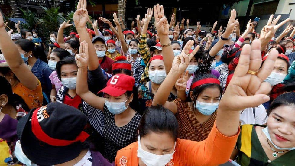 yangon_protestors_updatenews360