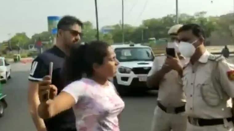 Delhi_Couple_Clash_With_Police_UpdateNews360