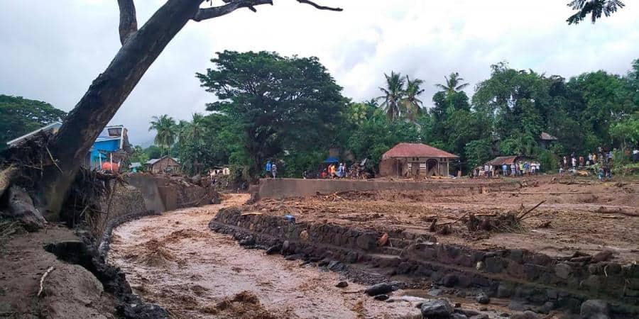 Indonesia_flash_floods_UpdateNews360