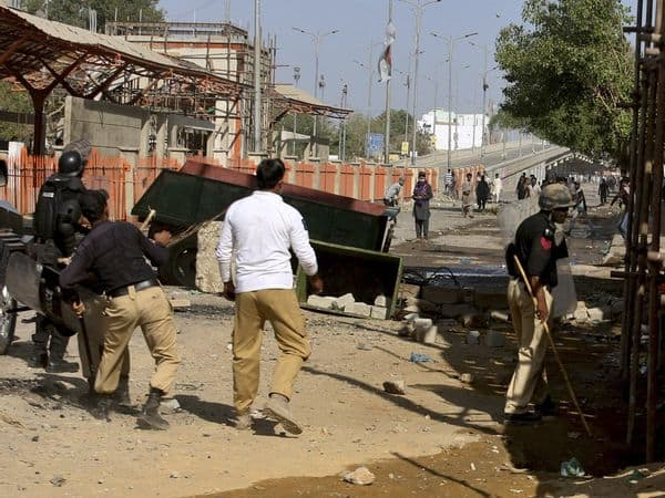 Pakistan_TLP_Clash_Police_UpdateNews360