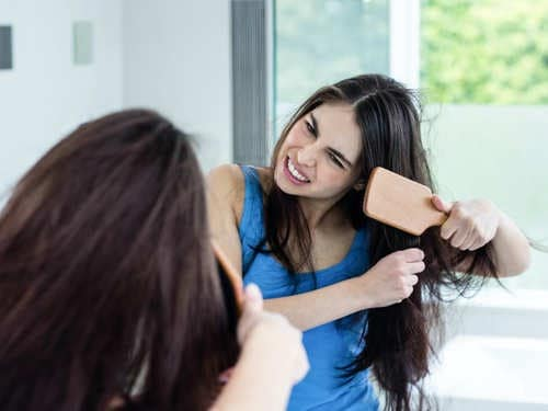 DIY remedies to treat frizzy hair at home