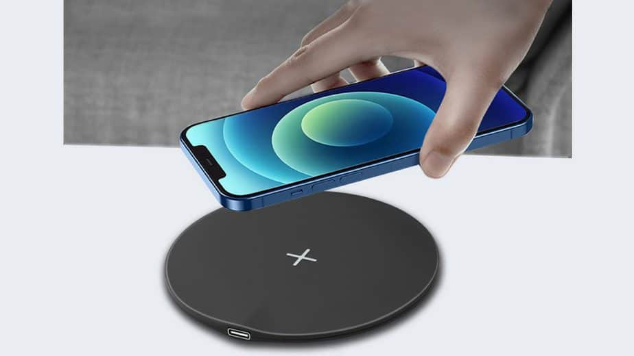 Stuffcool launches 15W Wireless Charger WC630 for Rs 2,399