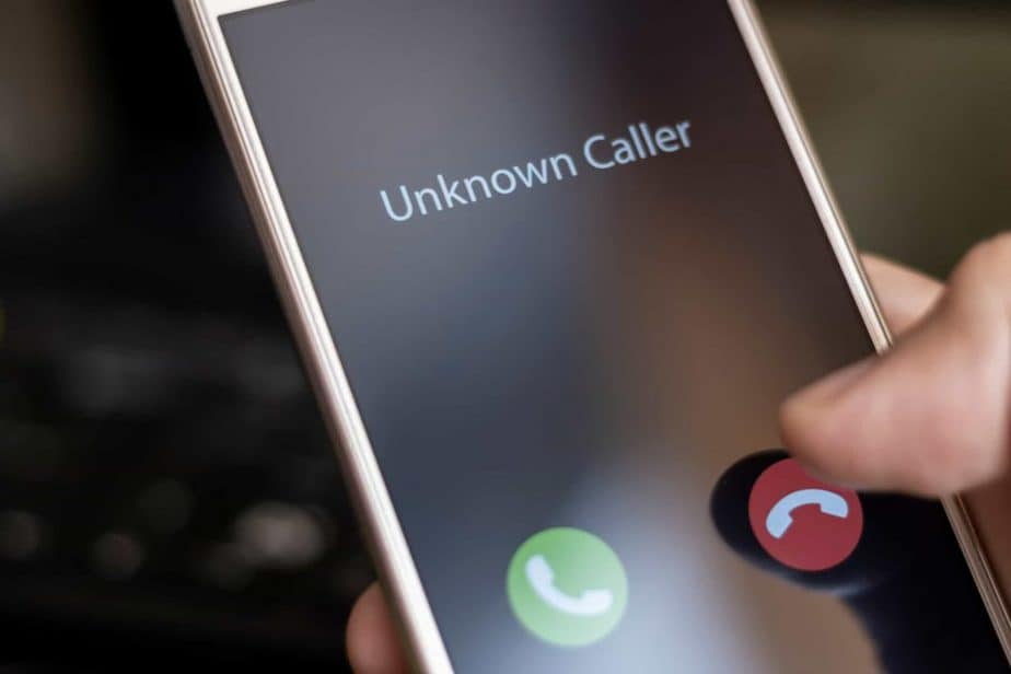 how to block your number and hide your Caller ID on iPhone or Android